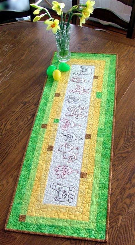 Quilted Tablerunner with Easter Chickens Embroidery
