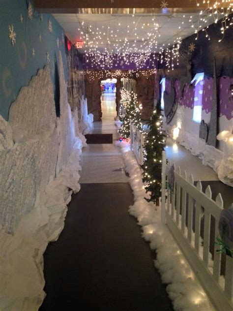 Hallway going to the Book Fair and Santa pictures | Winter