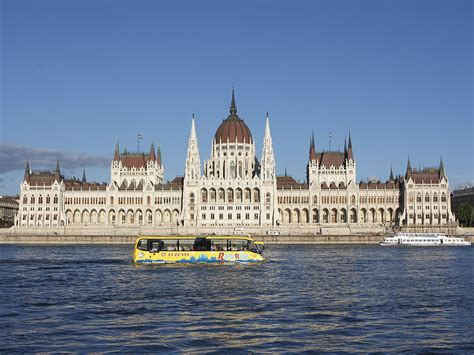 City tour in Budapest with waterbus - Budapest sightseeing