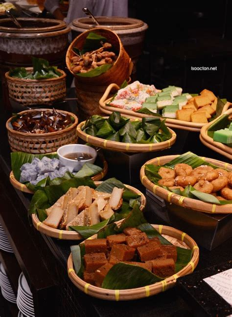 Traditional Malay kuihs | Catering food displays, Buffet