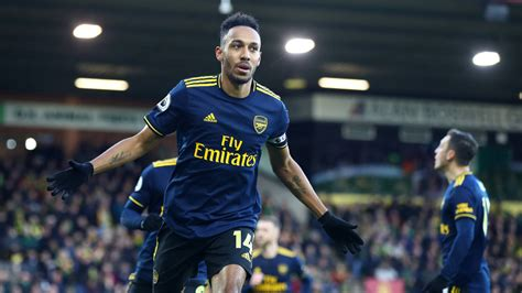 Aubameyang - The truth on the transfer rumours | Interview