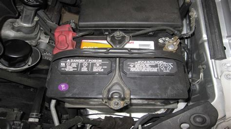 Toyota Tundra 2000-Present: How to Replace Battery | Yotatech
