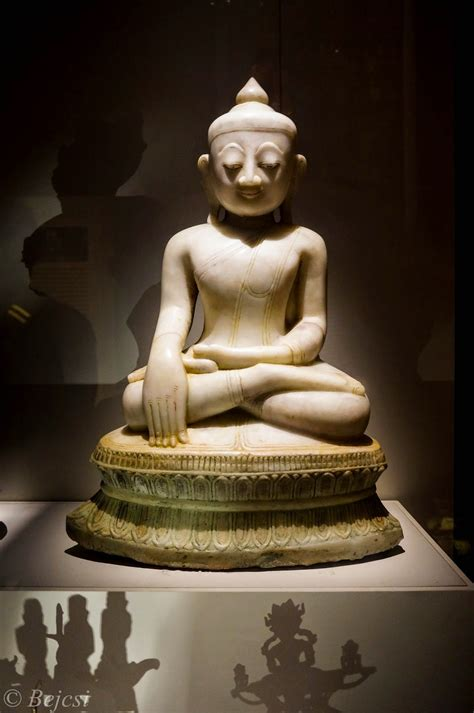 Buddha images and their meaning, postures and mudras
