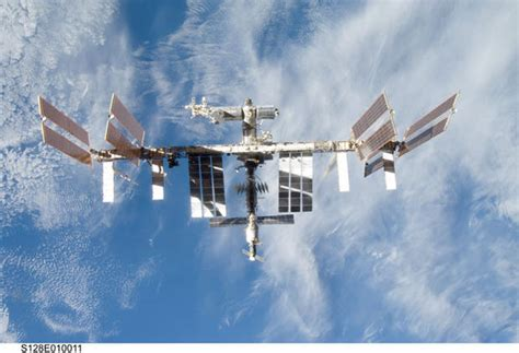 Building the Space Station, Piece by Piece - Photo 1