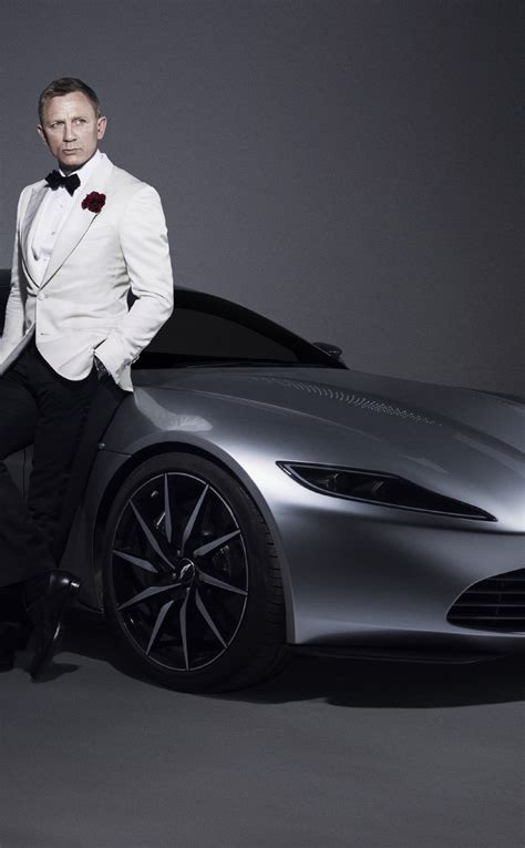 Daniel Craig 007 James Bond Aston Martin Car Photoshoot